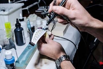 Si lavora sulla livrea dell'esca, enfatizzando i dettagli