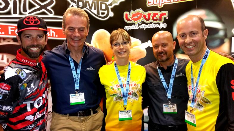 Anche Miss e Mister Champalou di Autain Peche, distributori di Molix per la Francia, sono all' iCast per presentare il loro marchio Suissex